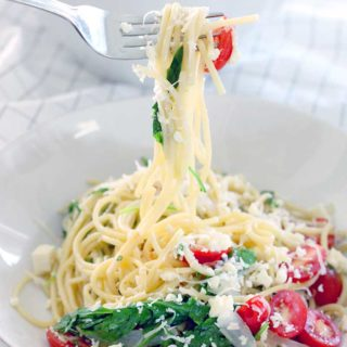 Spaghetti with Arugula and Cherry Tomatoes