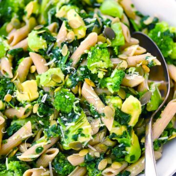 Green Goddess Pasta Salad | A one-bowl meal that you can have ready in 20 minutes, filled with nutrient-packed ingredients like avocado, broccoli, sprouts, and almonds that's seriously delicious, light, healthy, and SO easy! #realfood #cleaneating