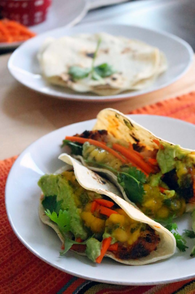 Blackened fish tacos with mango salsa for Blackened fish tacos