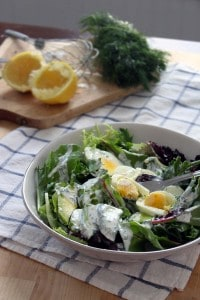 mixed greens salad with egg and avocado 1