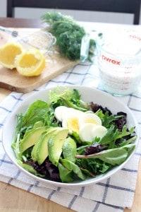mixed greens salad with egg and avocado 4