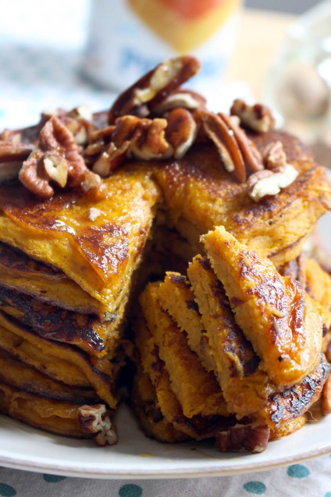 Pumpkin Pie Pancakes (made with whole wheat flour and no refined sugar ...
