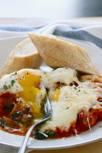 Baked Eggs with Potatoes Spinach and Marinara 3