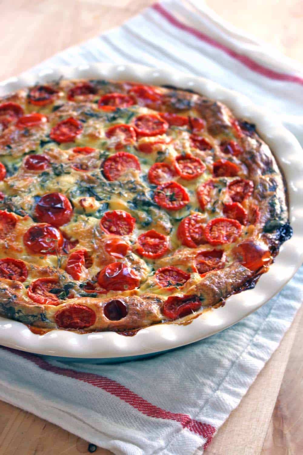 crustless spinach tomato and feta quiche. Black Bedroom Furniture Sets. Home Design Ideas
