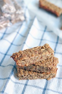 5 Ingredient Peanut Butter and Banana Energy Bars 4