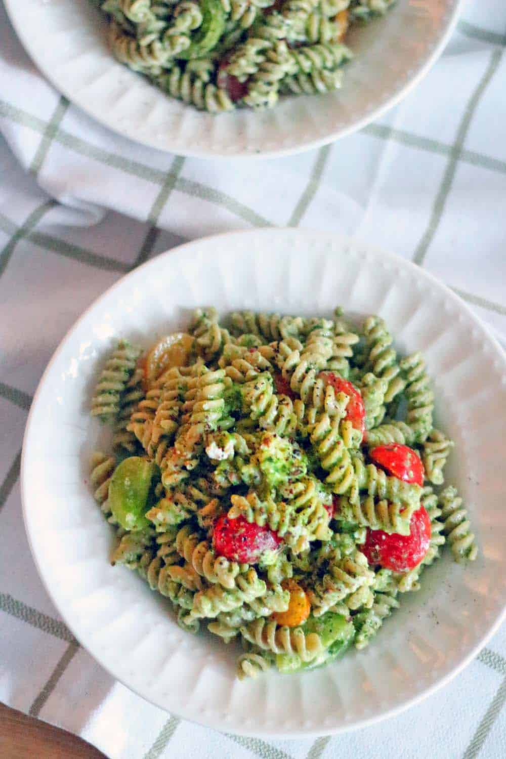 Four Ingredient Pesto Pasta Salad All You Need To Make This Healthy Light