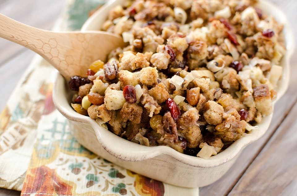 Crock-Pot-Cranberry-Pecan-Stuffing