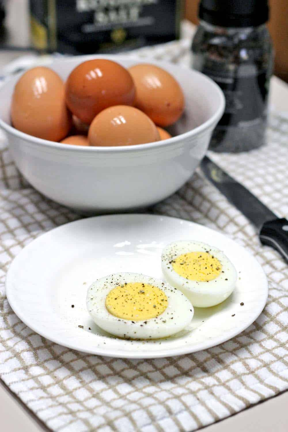 hard boiled eggs time how to make easy to peel boiled eggs every time 12693