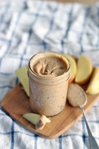 Homemade-almond-butter-whole30-paleo-5