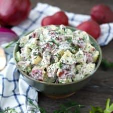 A bowl of potato salad.