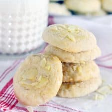 These Norwegian Butter Cookies (Serinakaker) are delicate and buttery, similar to shortbread but less crumbly, with melt-in-your-mouth almond and vanilla flavors. They are the PERFECT cookie, especially if you're looking for a new Christmas cookie recipe!   www.bowlofdelicious.com