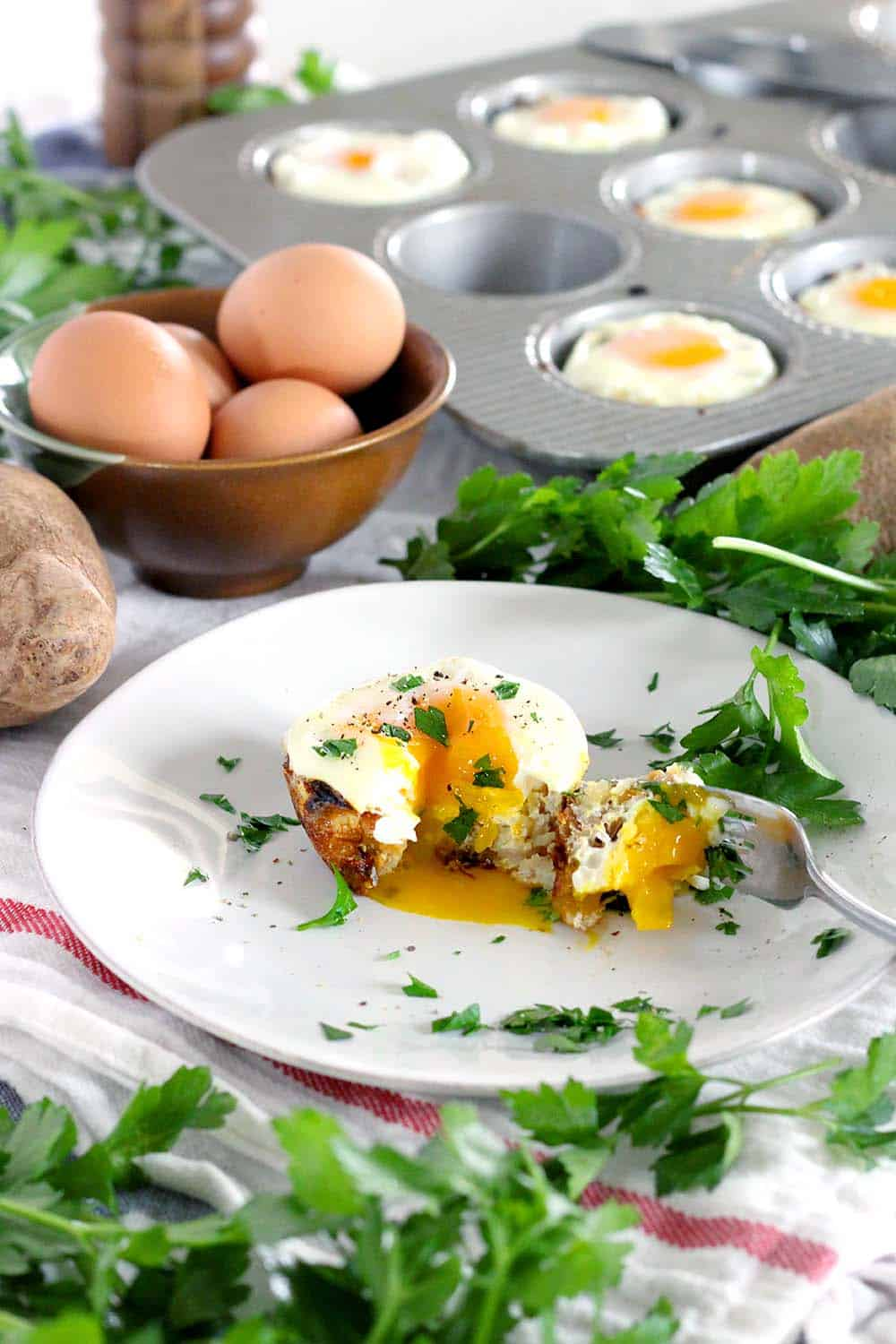 Birds nest potato and egg cups bowl of delicious these birds nest potato and egg cups use only 5 ingredients plus salt and pepper forumfinder Image collections