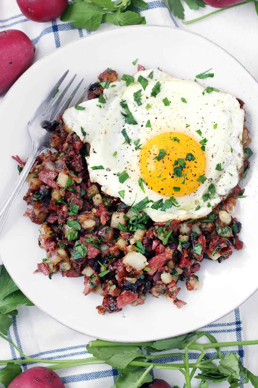 One Pot Corned Beef Hash Made With Raw Potatoes Bowl Of Delicious
