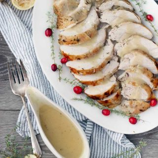 How to Make Classic Turkey Gravy from Drippings