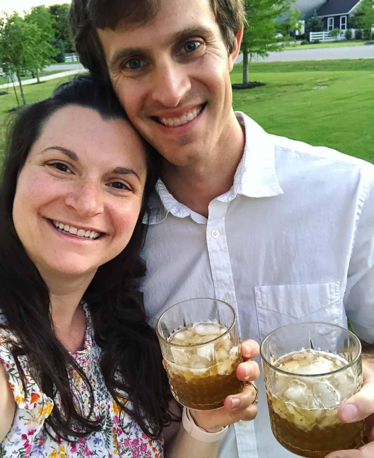 Elizabeth and Zach Lindemann drinking mint juleps selfie